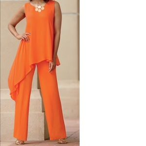 Monroe & Main asymmetrical Top and pant set